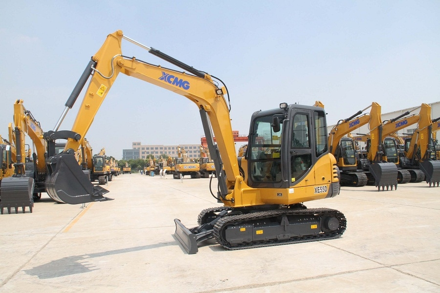 Earth Moving Machinery for Sale