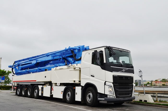 Truck-mounted Concrete pump for sale