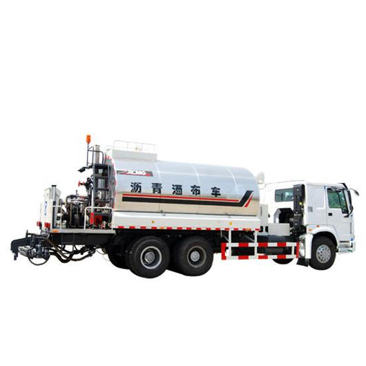A model of bitumen sprayer made by XCMG company.
