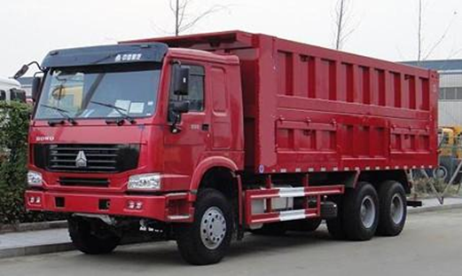 A picture of Sinotruk tractor truck