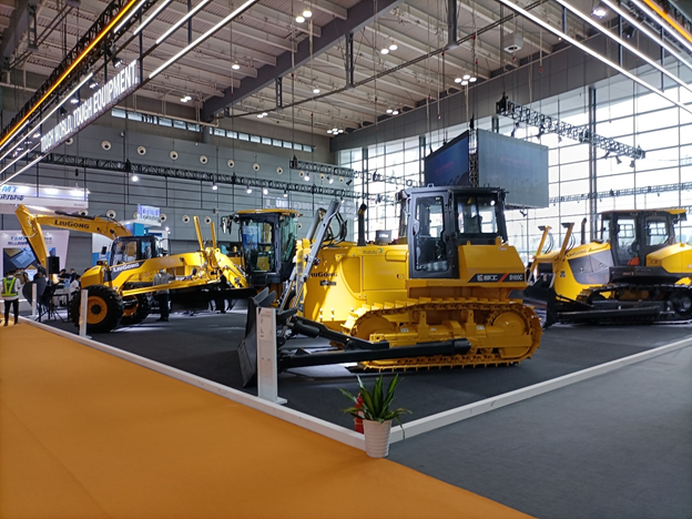 Earth Moving Equipment  - Buy Popular Chinese Construction Equipment