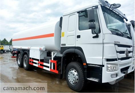 6 x 4 Oil Tank Truck by Sinotruk