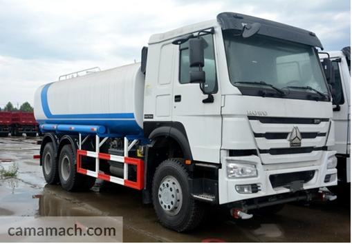 6 x4 Water Tank Truck by Sinotruk